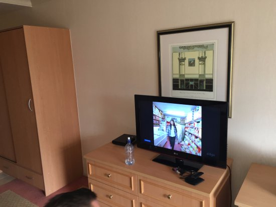 Gulf Harbour Lodge: Furniture and TV are good enough