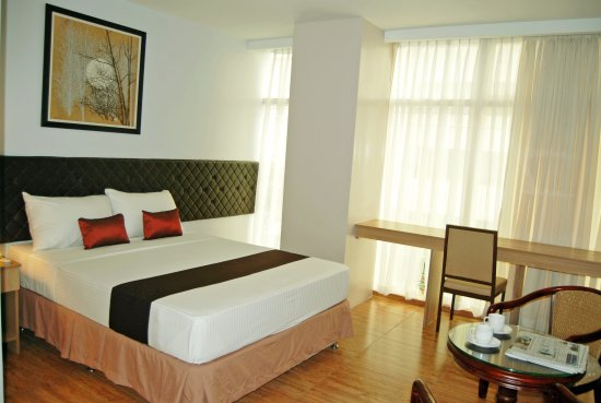 Capitol Central Hotel and Suites: Premier Qeen