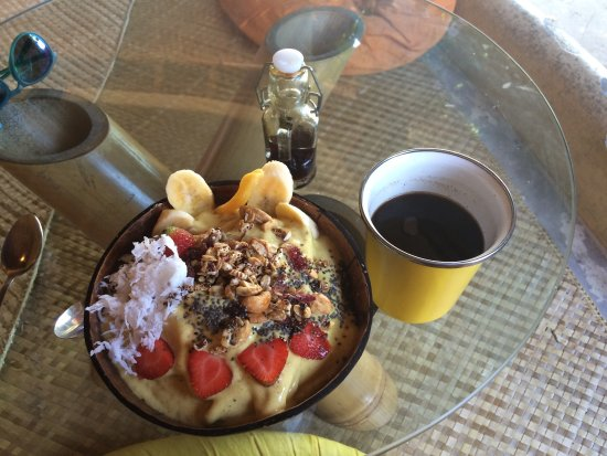 Mellow yellow smoothie bowl picture of yellow flower cafe ubud yellow flower cafe mellow yellow smoothie bowl mightylinksfo