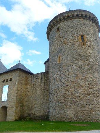 Manderen, Francie: Chateau de Malbrouck, France