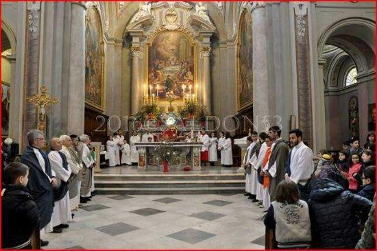 Chiesa del Corpus Domini: Compagnia teatrale ,struttura della tela, campanile e il giardino della Pasqua.