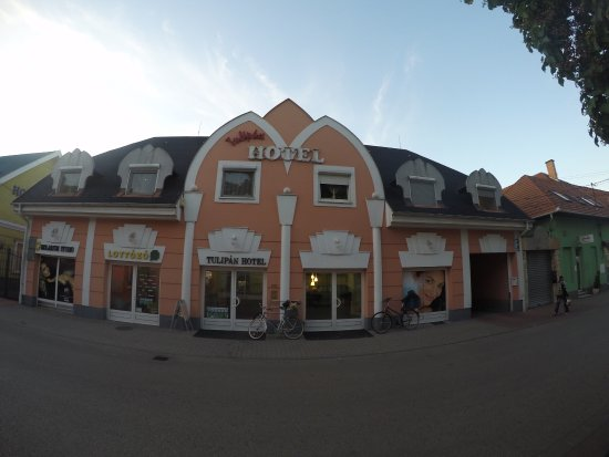 Photo of Hotel Tulipan Komarom
