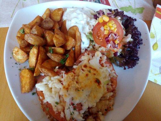 Zum Roemer: Knoblauchsteak mit Kartoffelecken und Knoblauchdip