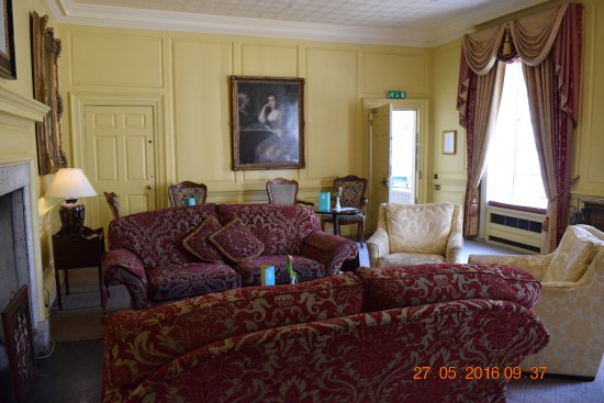 Hintlesham, UK: The drawing room