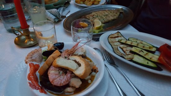 Taverna dei Capitani: Fish soup, grilled veggies and grilled fish