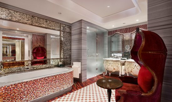 The Reverie Saigon  Romance Suite Bathroom. Romance Suite Bathroom   Picture of The Reverie Saigon  Ho Chi