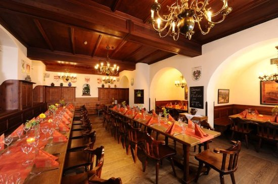 Stiftskeller Restaurant Bierlokal In Innsbruck Altstadt