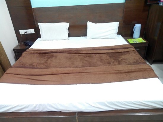 Hotel Jyoti Continental Agra: IMG_20160628_214851_large.jpg