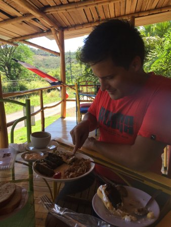 Tilarán, Costa Rica: Mâncare românească departe de casa!  we enjoyed a lot Romanian sarmale 😎 high quality and very