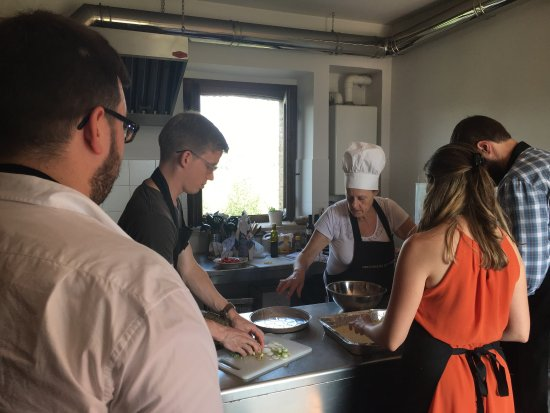 Decugnano Dei Barbi Cooking Class: Beautiful scenery, delicious food, excellent wine--book now!