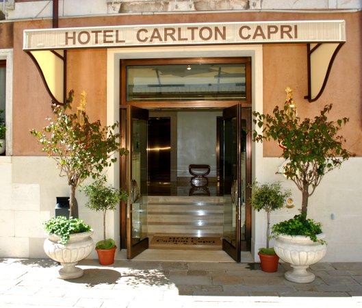 Hotel Carlton Capri: Facade - Exterior