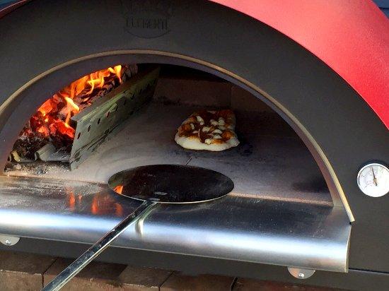 Dunham, Canada : four à bois, wood oven Pizza