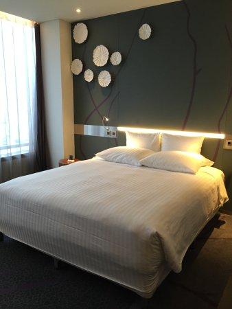 Pullman Saigon Centre Hotel : Queen Size bed