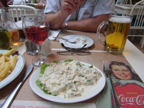 Rustico Taverna : The worst Tuna Salad I have had... it's mush