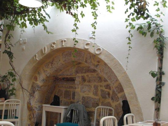 Rustico Taverna : Pretty setting not pretty food