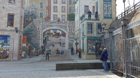 Place Royale : murales