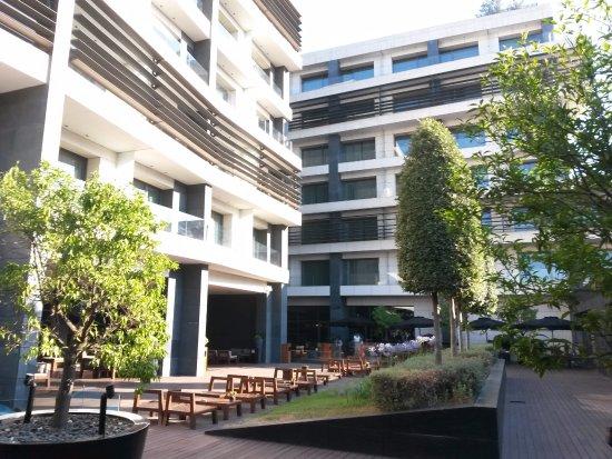 The Met Hotel: Wery pleasant courtyard