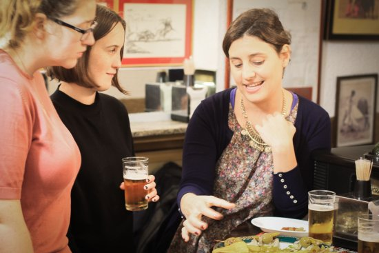 Context Madrid Tours: Learning about tapas traditions on our expert-led tapas tour