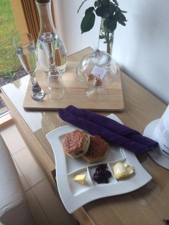 Barcaldine, UK: Complementary scones