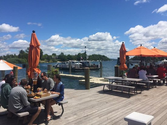 The Landing Restaurant : Nice place to watch the ferry cross, good food & service. They have a nice deck overlooking Lake