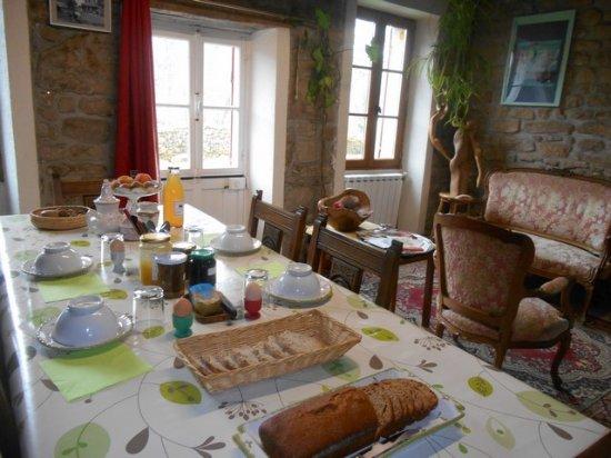 Soubrebost, Francia: le petit-déjeuner