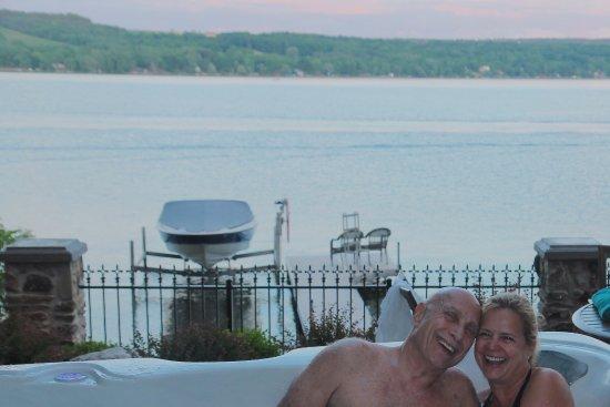 Penn Yan, NY: We loved the hot tub!