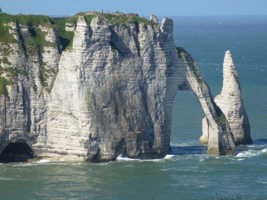 La porte d 39 aval et l 39 aiguille photo de falaise d 39 etretat etretat tripadvisor - Les portes d etretat maniquerville ...