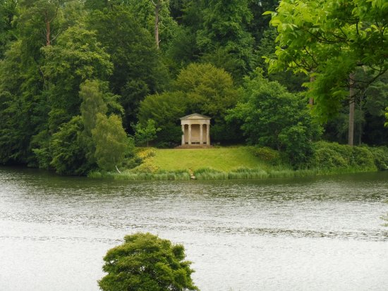 Wiltshire, UK: Lake at Bowood House