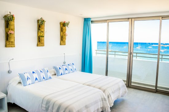 Marina Playa Hotel & Apartments : Marina Playa Ibiza Sea View