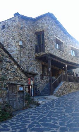 Valverde de los Arroyos, İspanya: Exterior del Restaurante