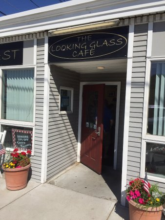 Wrentham, MA: The Looking Glass