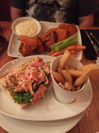 Crew's Cup Lounge, Orlando - Restaurant Reviews & Photos - TripAdvisor