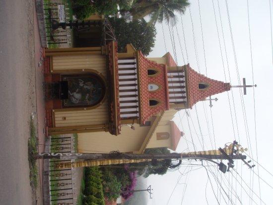 Grand Thekkady: Church at walking distance