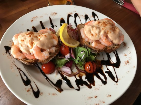 Camp, Irland: Shrimp open sandwich