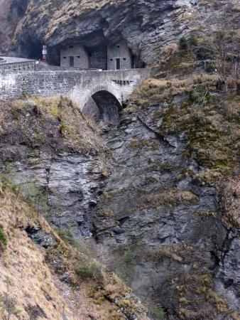 Grisons, Suiza: Brücke der zweiten Generation