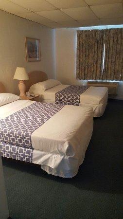 Rodeway Inn & Suites: 20160702_152557_large.jpg