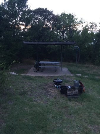 Cedar Hill, TX: Our setup - well maintained by the park.