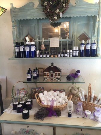 Dahlonega, GA: Great products inside the store at the farm!