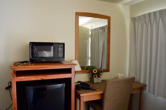 Rainbow Motel: photo3.jpg