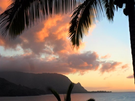 Hanalei Bay Resort: Sunset view from HBR 9304/5/6