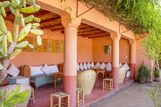 Riad Majala: salle a manger sur la terrasse