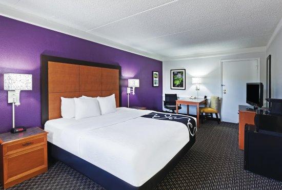 La Quinta Inn Midland: Guest Room