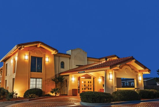 La Quinta Inn Midland: Exterior
