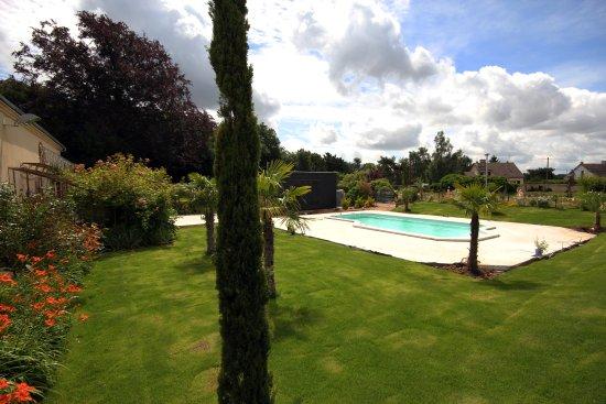 Flacey, France: bain de soleil