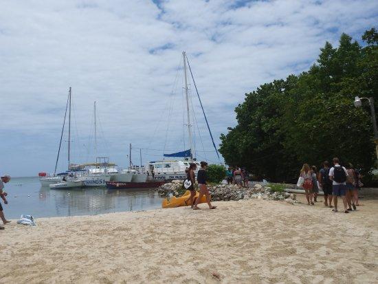Cool Runnings Catamaran Cruises Jamaica: Beach