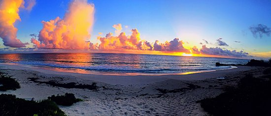 Great Guana Cay: Sunrise on the east side of Guana