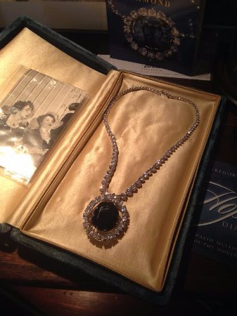 The Reynolds Mansion: Loved the history of the B&B. This is a replica of the Hope Diamond.