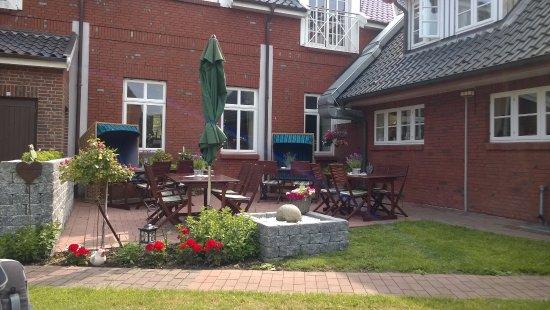 Gasthaus Knudsen: Gemütlicher Innenhof