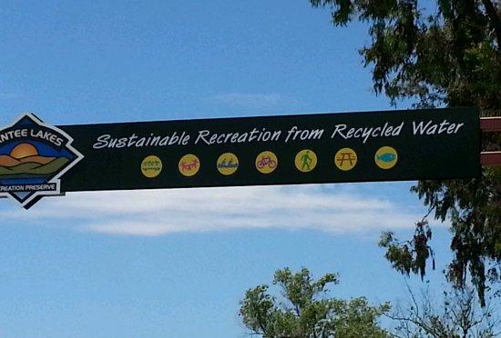 แซนที, แคลิฟอร์เนีย: Entrance sign