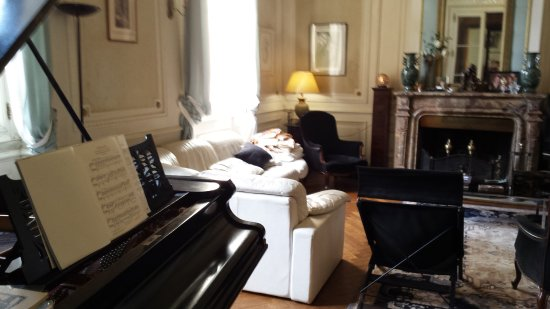Chateau de Camperos : parlor/music room